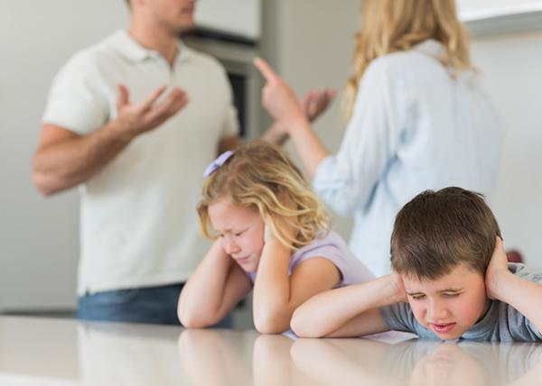 مشکلات اجتماعی کودکان طلاق